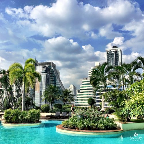Poollandschaft des Windsor Suites in der Sukhumvit Soi 20